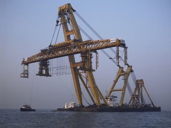 Asian LIft hercules sheerleg crane