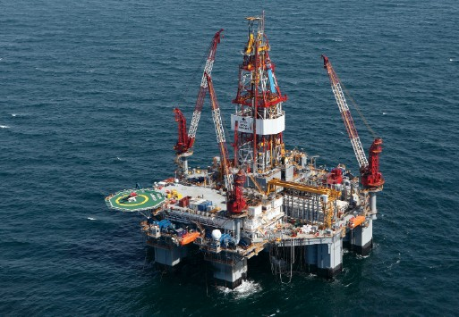 Ocean Monarch semisubmersible DIamond offshore