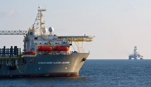 Transocean&#039;s Discoverer Clear Leader drillship