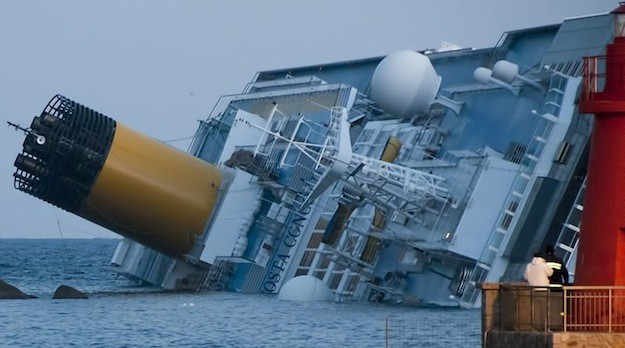 The Costa Concordia shipwreck on January 14. Photo: Wikimedia Commons