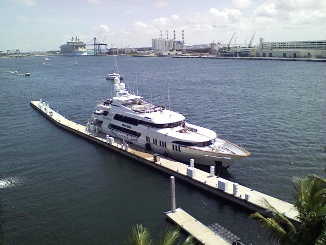 "The ""Blind Date"" yacht seen tied up in Florida just two days prior to the apparent hoax call reporting its demise."