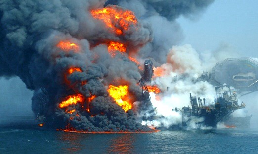 deepwater horizon explosion blowout fire