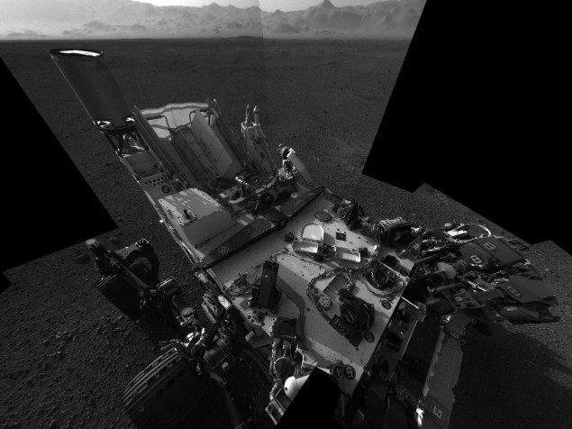 This full-resolution self-portrait shows the deck of NASA's Curiosity rover from the rover's Navigation camera. Image credit: NASA/JPL-Caltech