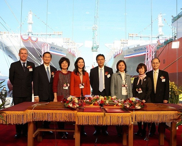 OOCL containerships samsung heavy